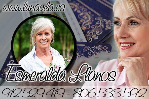 Esmeralda Llanos es la mejor opción para observar tu futuro, es precisa y por ello una de las mejores y más recomendadas tarotistas y videntes españolas